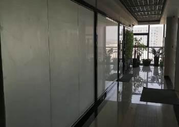 公明钟表基地新出精装修写字楼租赁200平带隔间、免费停车场图片2