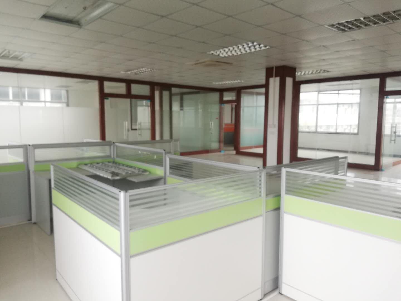 坪山天虹商场附近原房东现成装修办公室395平米出租可注册公司