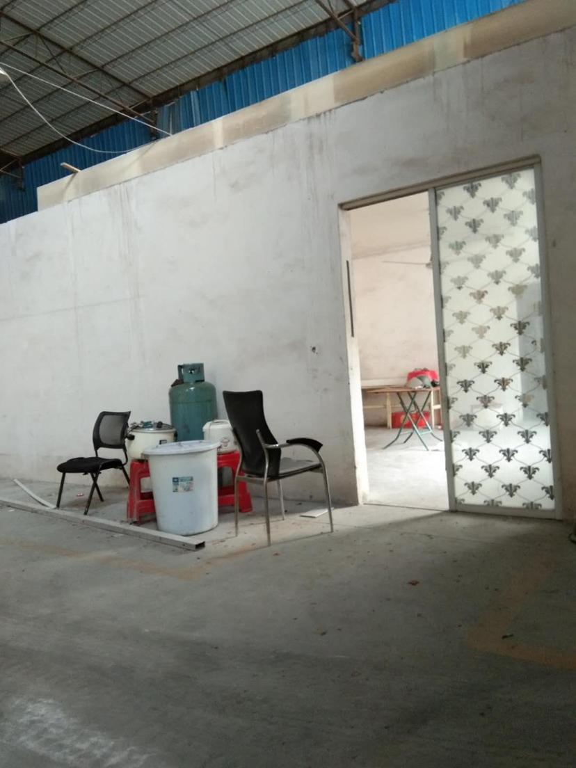南海松夏燕京啤酒附近独院厂房9米高带牛角1700平方出租-图2