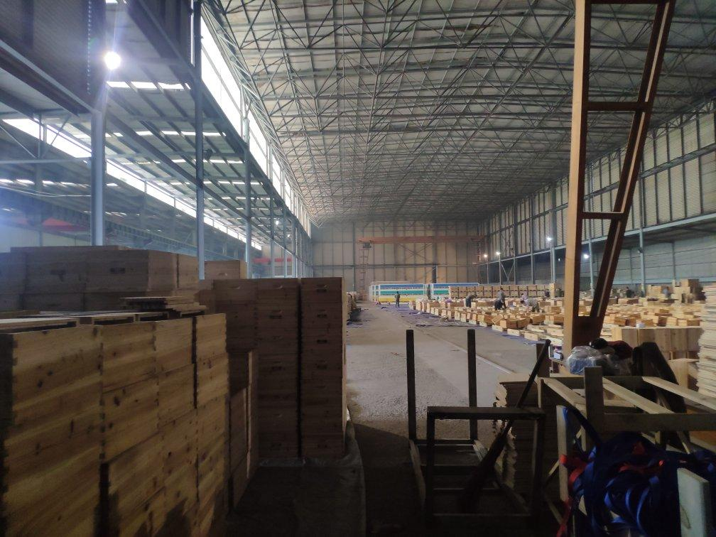 郫县工业园区,2个10t行车,标准5750平大厂房,1