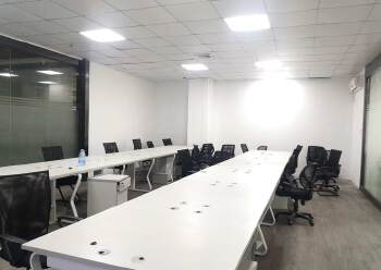 深圳龙华新区精装修写字楼出租图片1