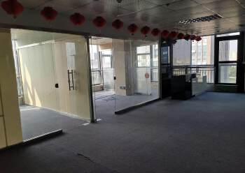 公明钟表基地新出精装修写字楼租赁200平带隔间、免费停车场图片6