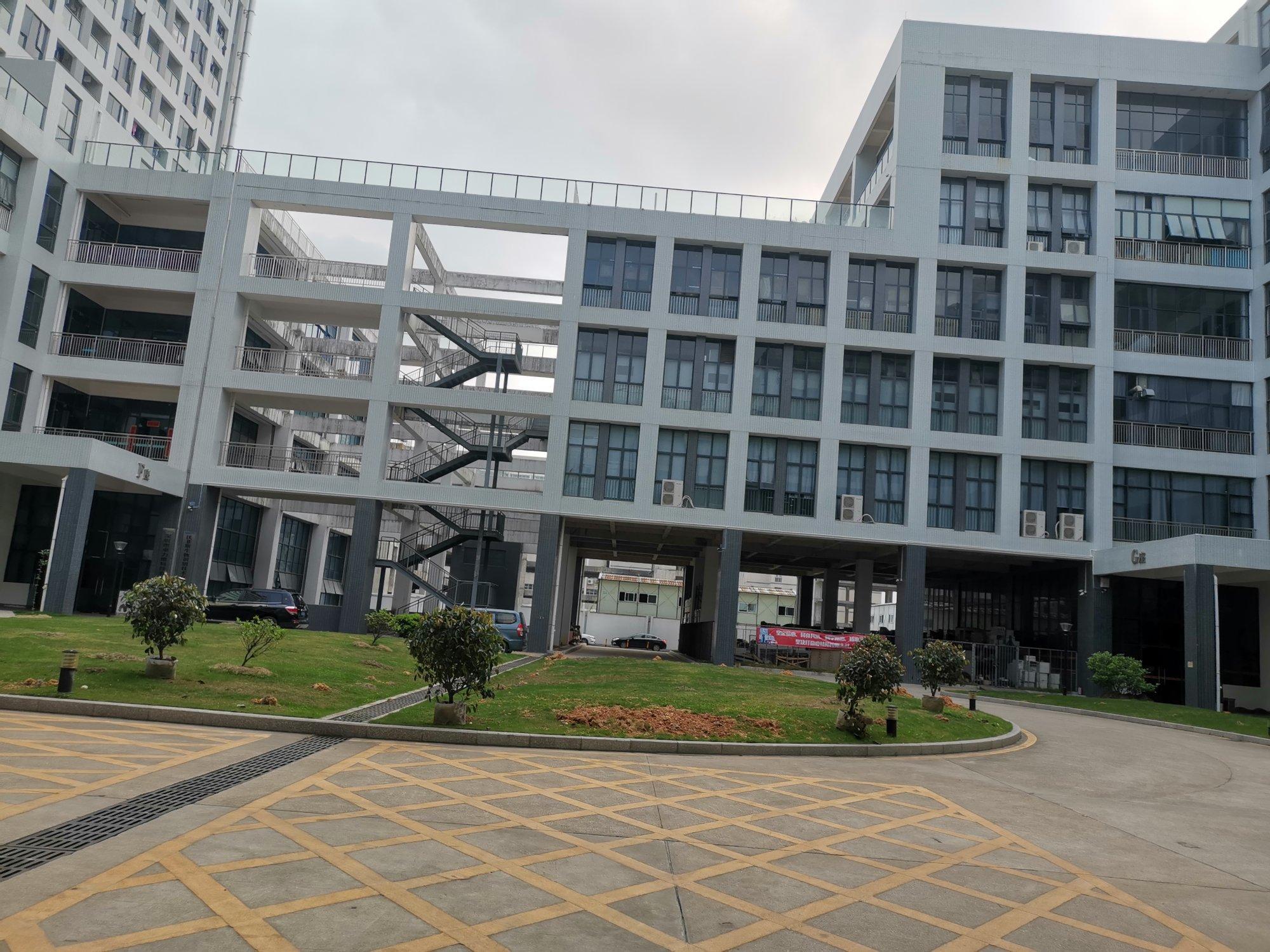 坪山新区智能科技园二楼300平方带精装修厂房出租