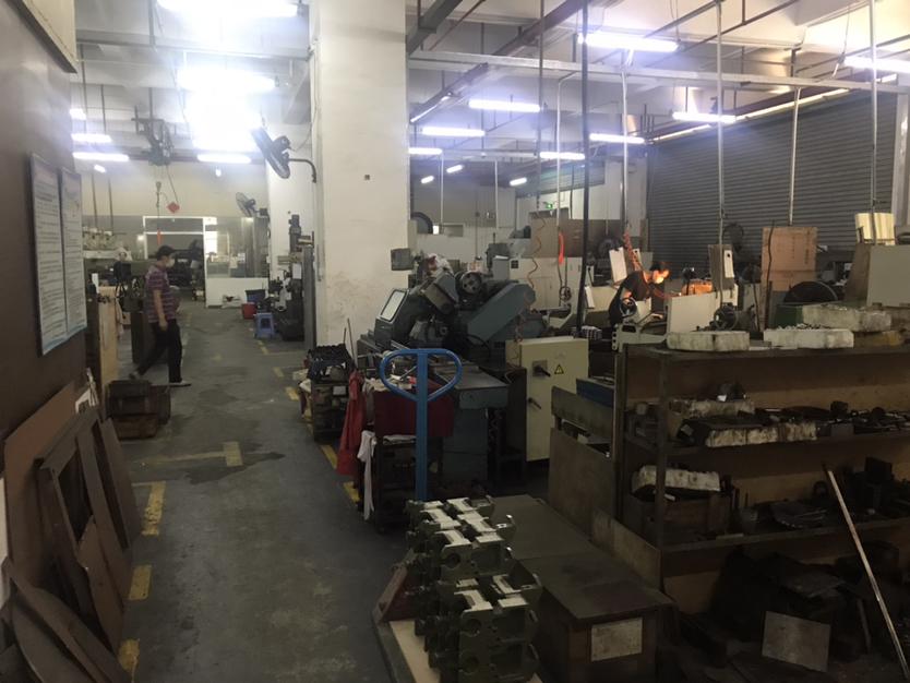 布吉丹竹头楼上1380平厂房出租适合电商办公仓库加工