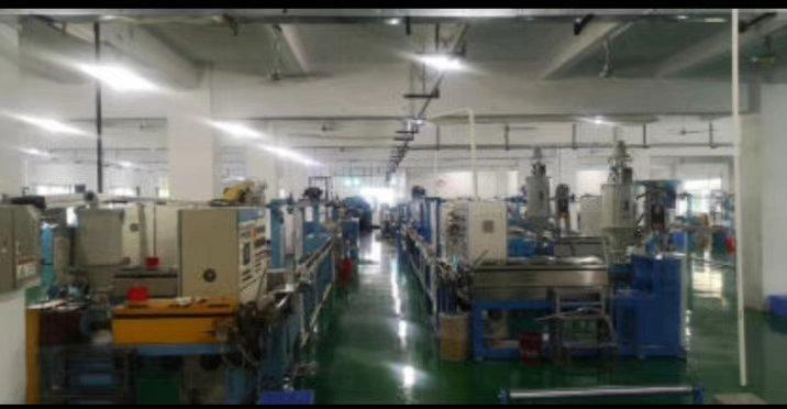 带装修水电到位九成新厂房出租坪山坑梓一楼2200平