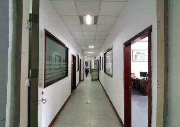 龙华大浪原房东高档工业园精装修办公室带车间有大前台图片3