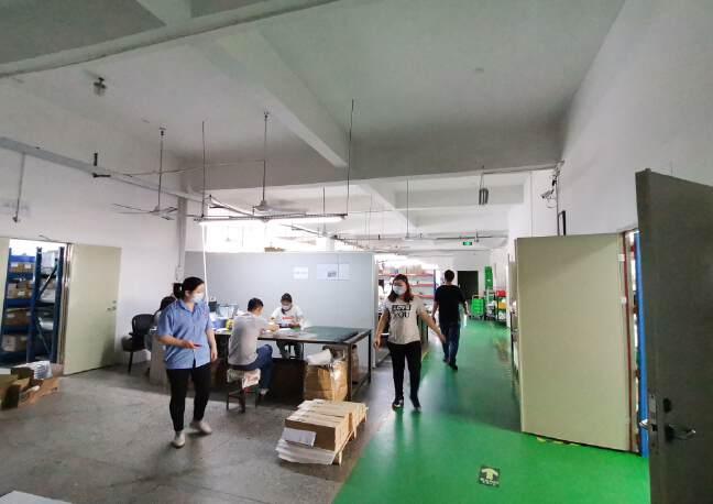 龙华大浪原房东高档工业园精装修办公室带车间有大前台