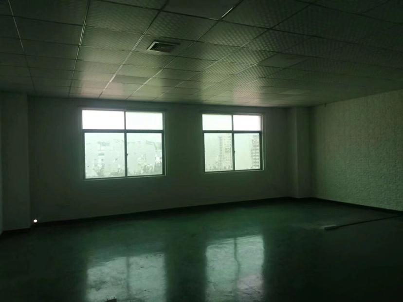 观澜地铁口附近新出精装修楼上1000平米厂房,电商仓库的福音