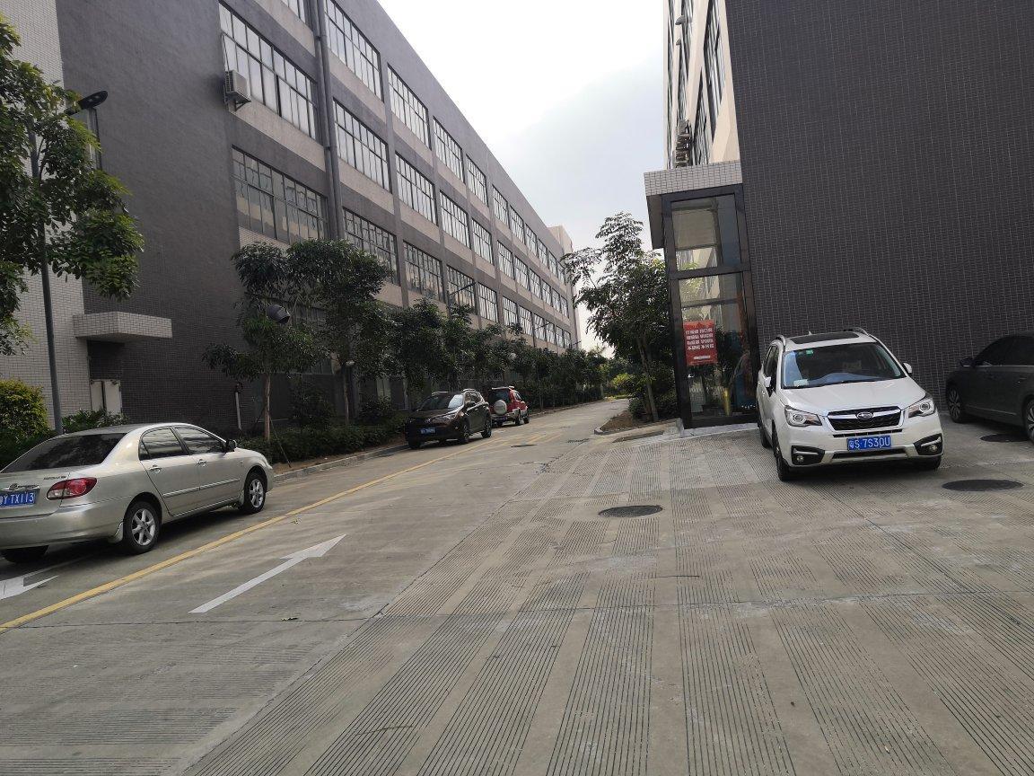 里水里广路附近,新出原房东全新2楼标准厂房,花园式厂房。