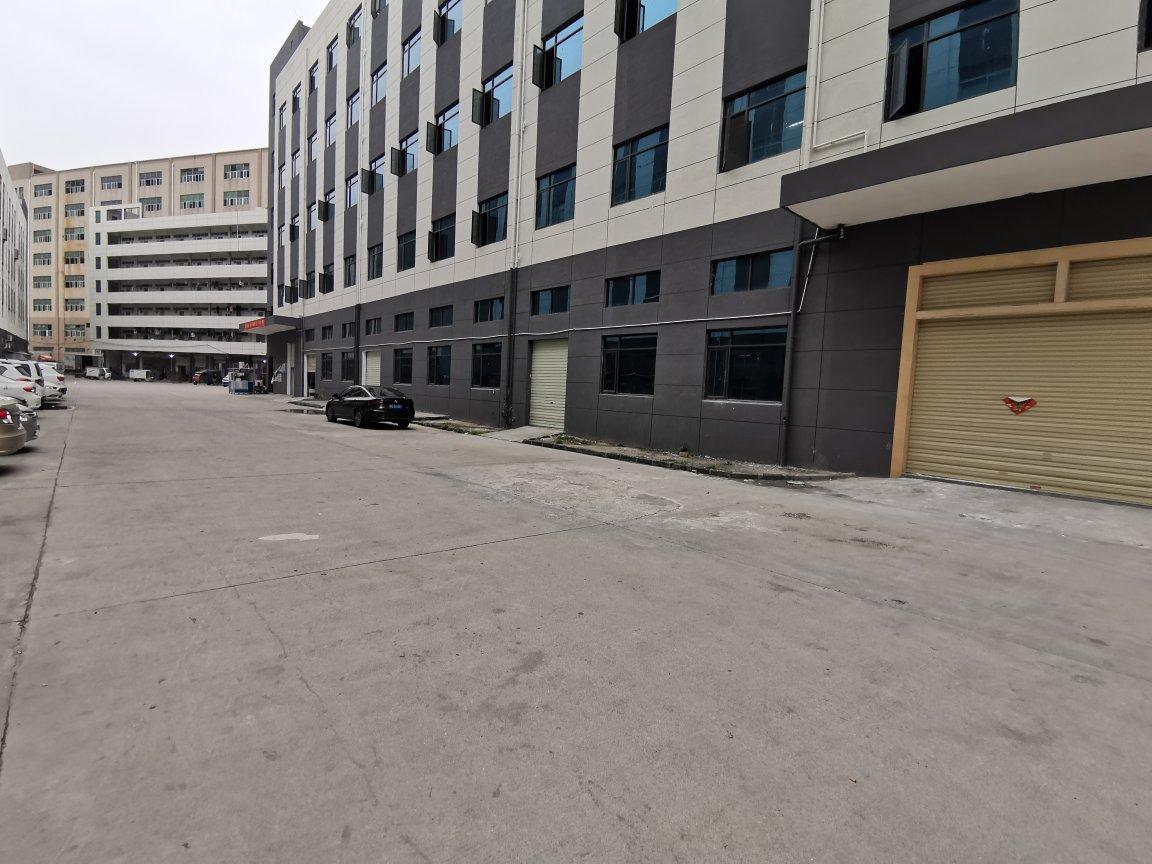 福永高速出口一楼仓库2500平方厂房出租