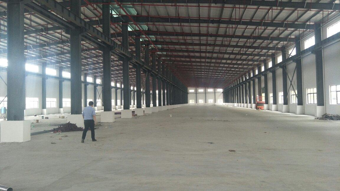 石湾科技园12米高带航轨钢构厂房8000平米
