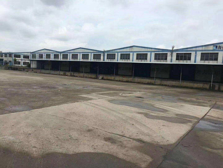 龙岗同乐高速出口附近,一楼1500平米厂房仓库出租