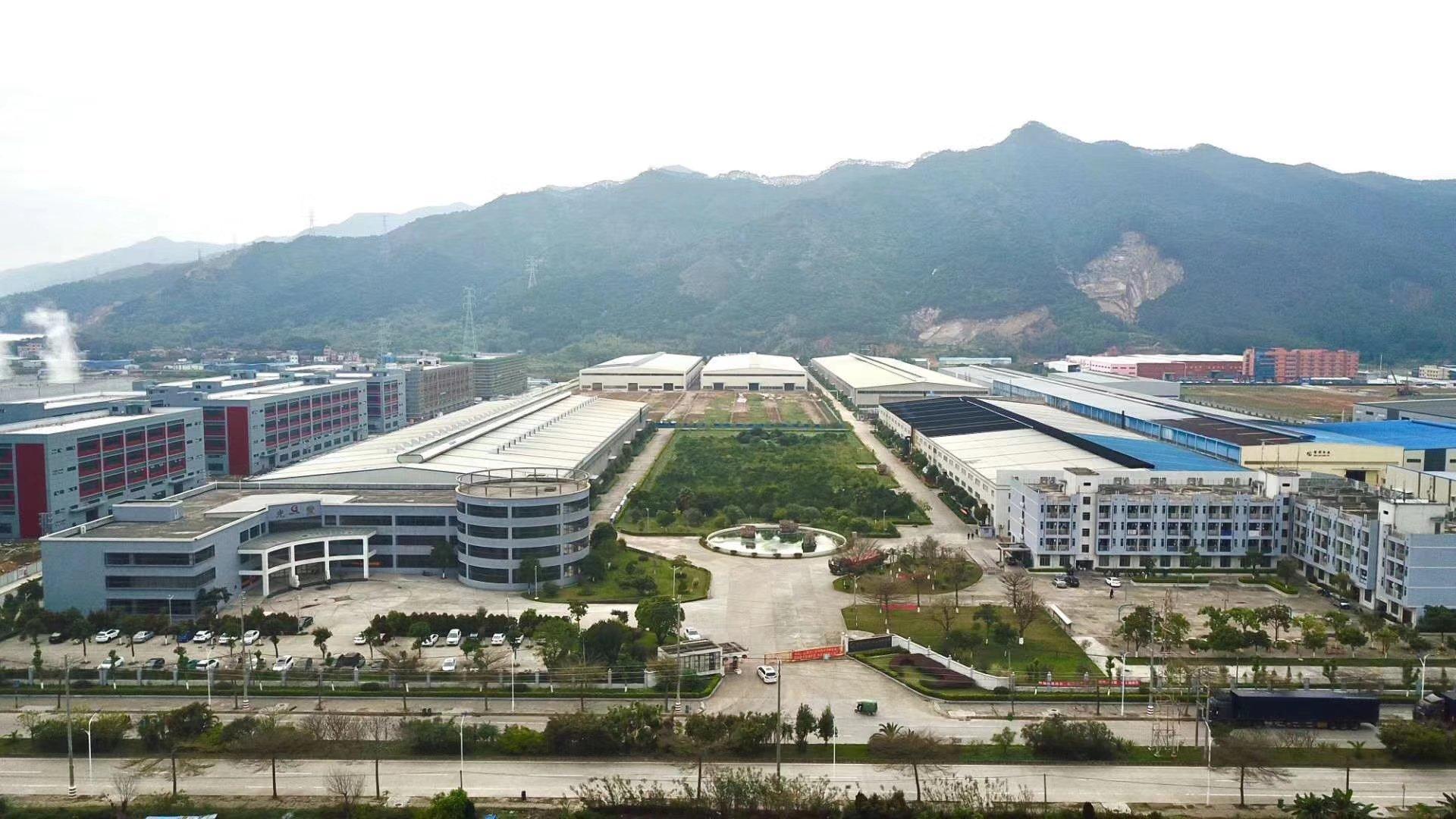 肇庆市鼎湖区约70000平方钢构,滴水13米,可办环评