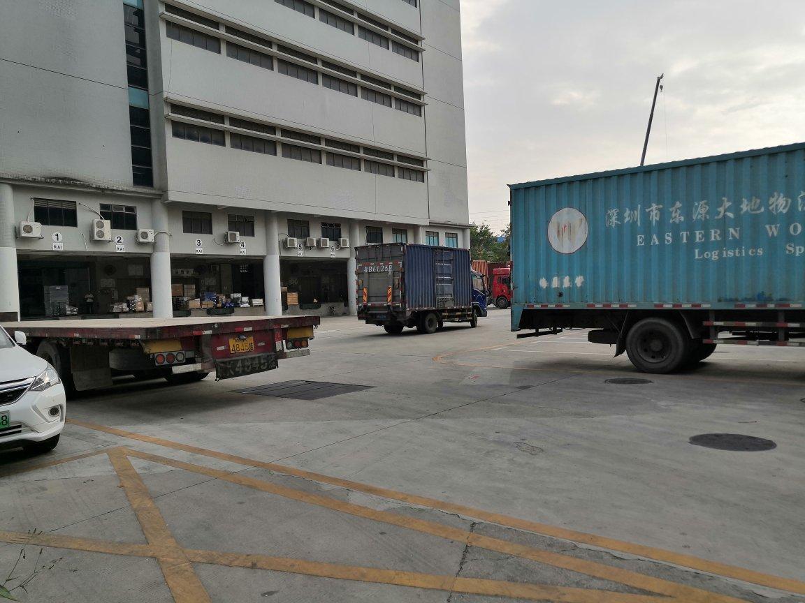 宝安大型国际物流园带超长卸货平台,30000平米可分租