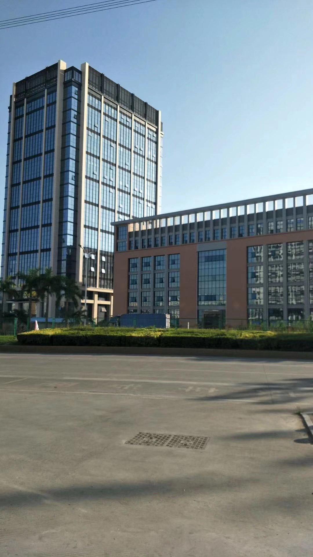 龙华新建红本厂房,低价转让,证件齐全,200平米起售