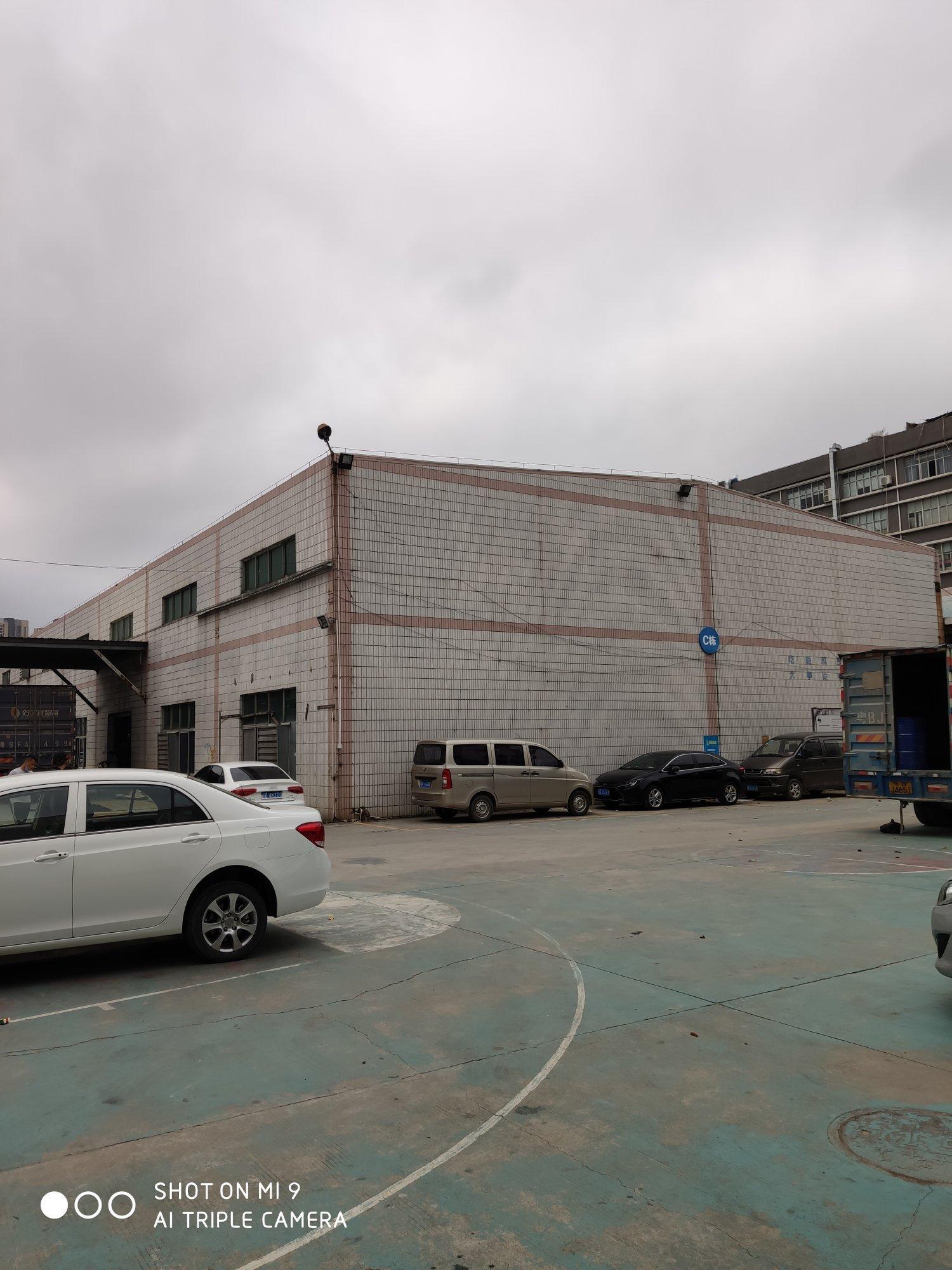 石岩石龙仔高新园4000平米钢构厂房可申请房补层高9米。