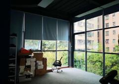 龙华明治新出300平带阳台装修办公室