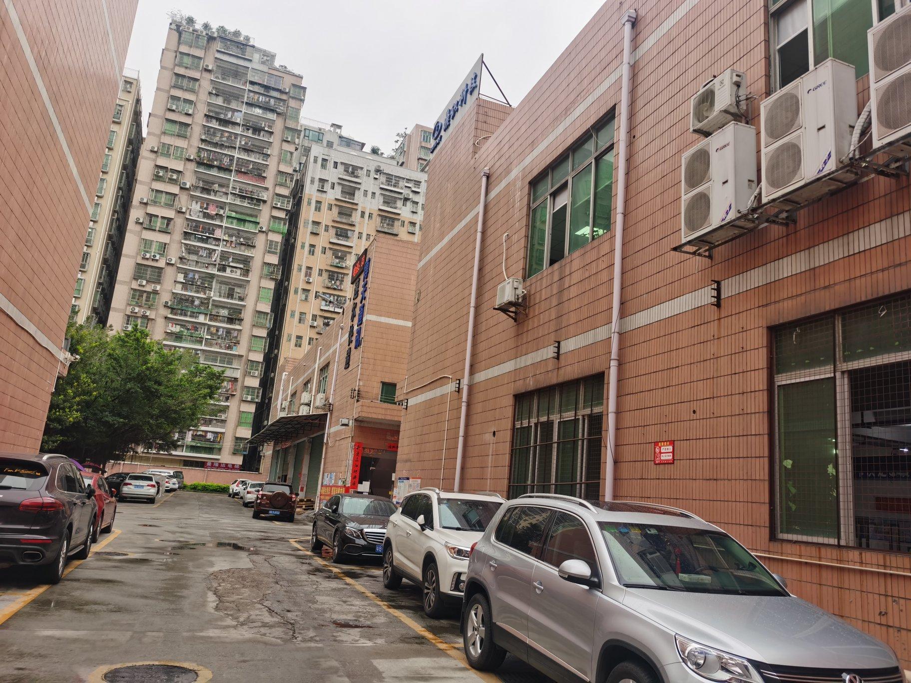 大浪义乌小商品附近新出楼上整层1600平方,豪华装修