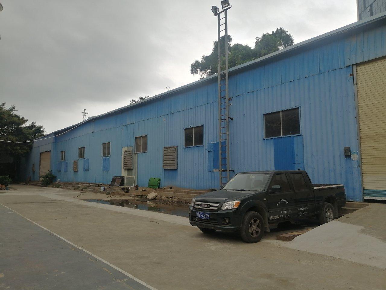 西乡广深公路边一楼铁皮房仓库1300平