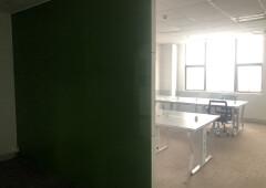 龙华油松,118平小户型办公室,已隔好隔间
