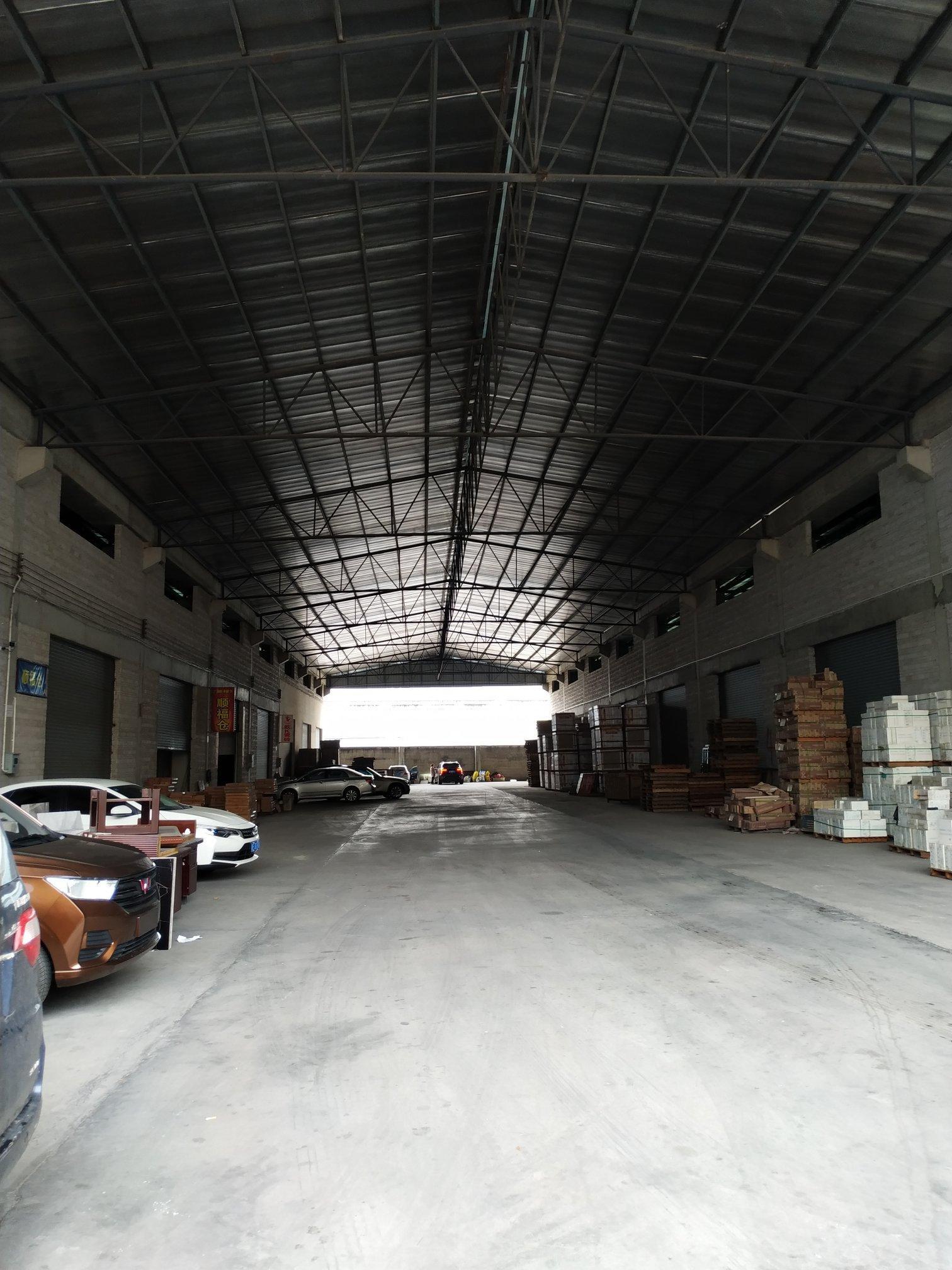南庄新出大型仓库进出大车方便