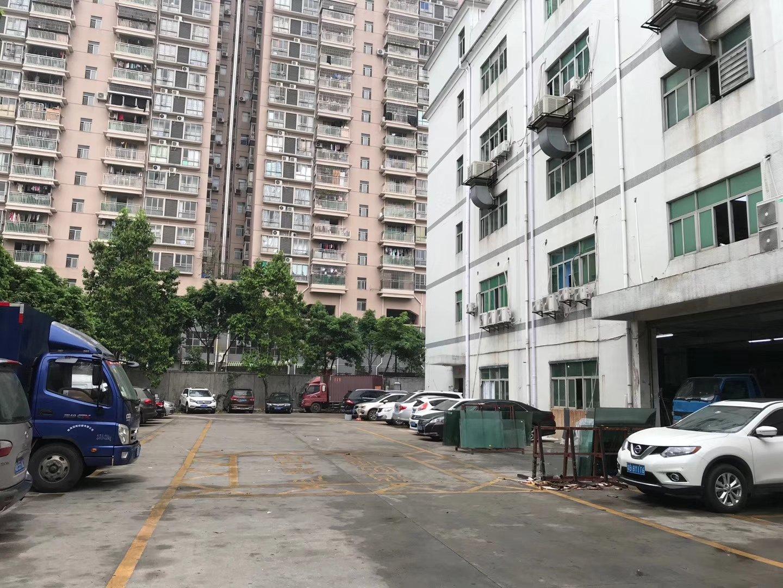 清湖地铁站口旁楼上600平价23电商仓库办公厂房