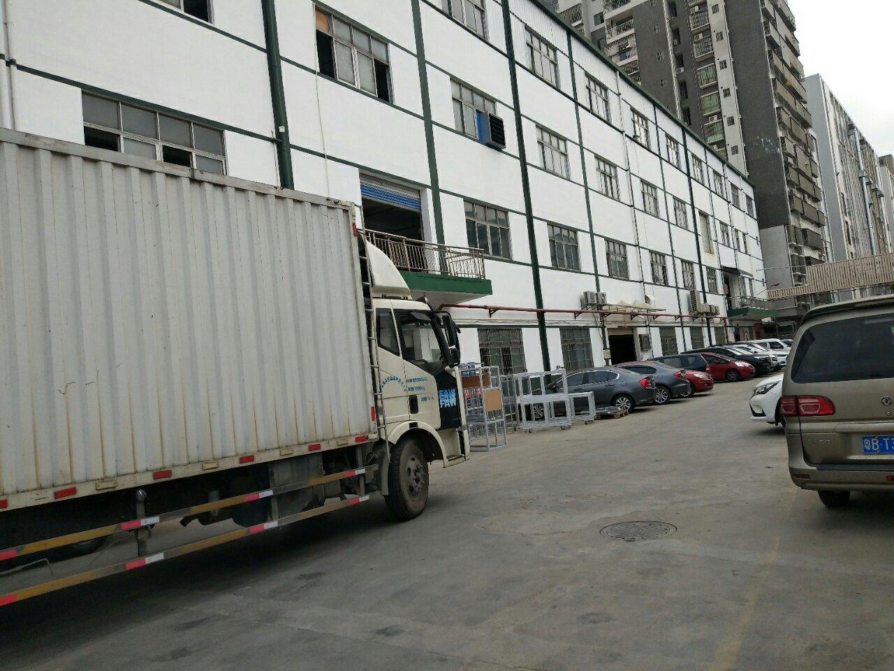 光明中心地段新出红本厂房仓库大小面积200到2万平出租可分租