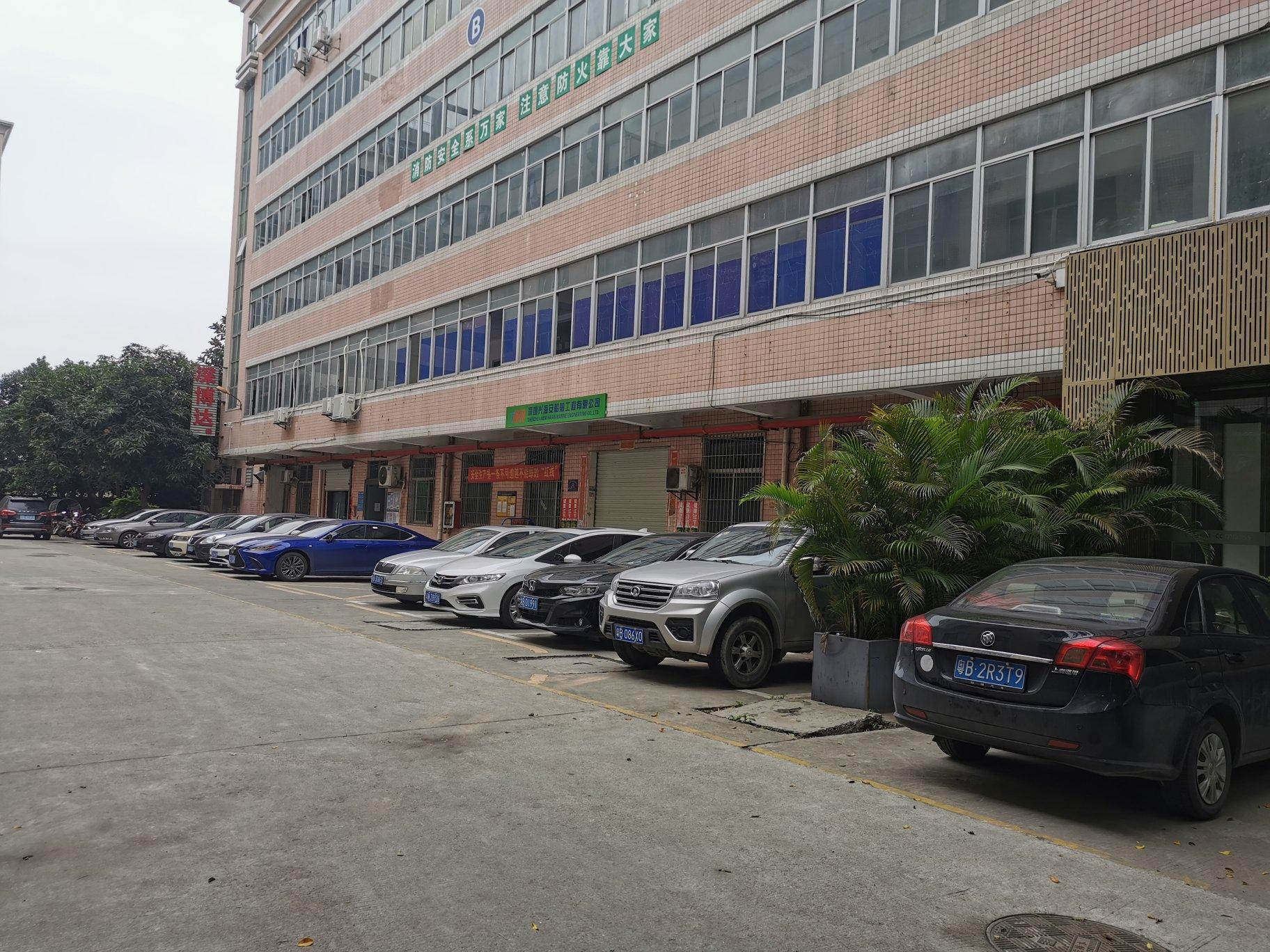 福永和平楼上一整层800平带装修厂房直租,水电齐,拎包入驻。
