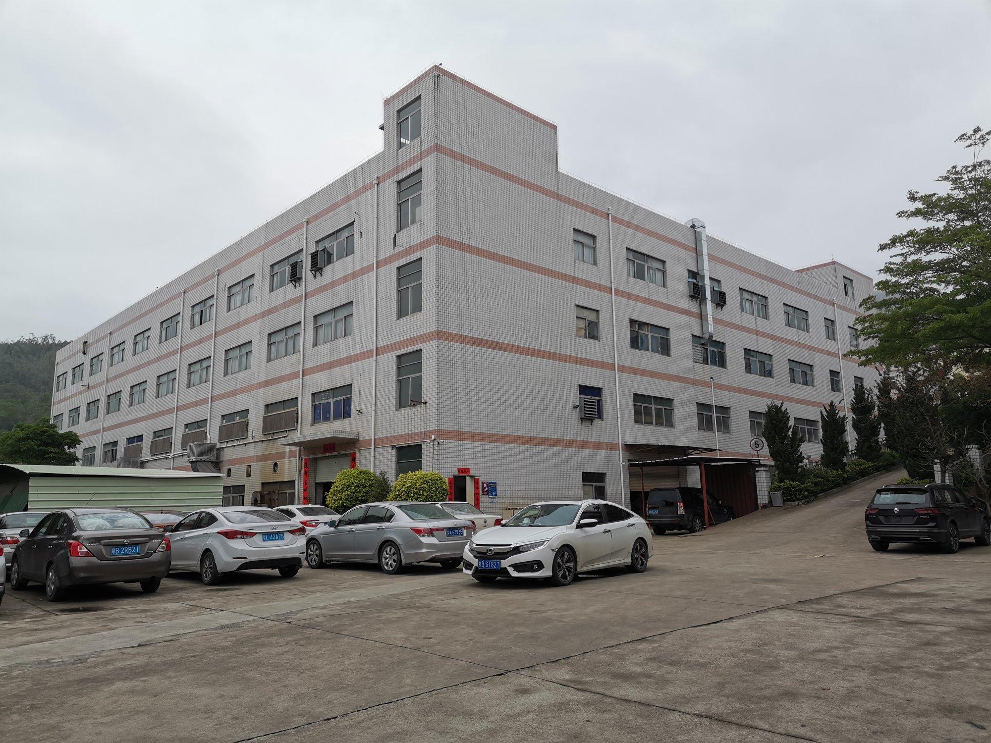 出售深圳坪山周边原房东红本建筑面积16800平米花园式厂房
