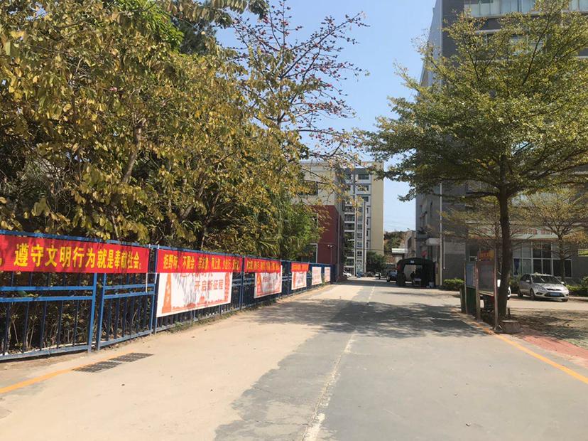 石岩独门独院可做幼儿园1~3层2100平方厂房出租