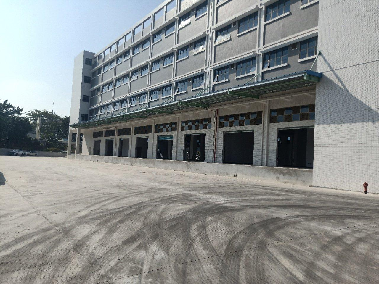平湖物流仓,20000平米,有卸货平台,4层。每层5000平