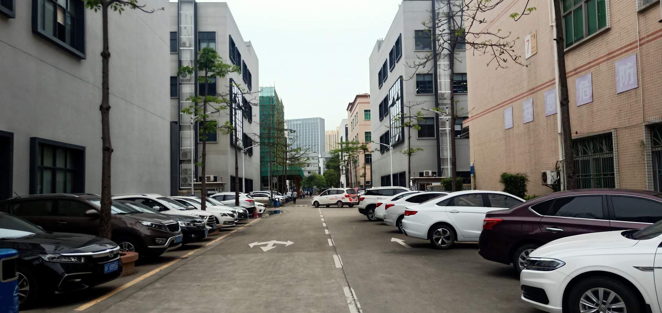 龙华大浪商业中心新出龙门独院红本厂房6500平方,1—4层