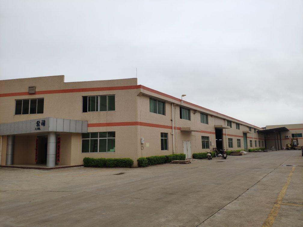 镇隆高速路口面积:20800m²建筑面积10000平单一层