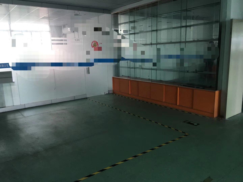 龙华地铁口新出楼上带装修厂房出租1100平