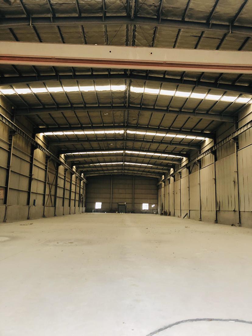 湖南钢材大市场、一力物流附近2100平米带10吨行车