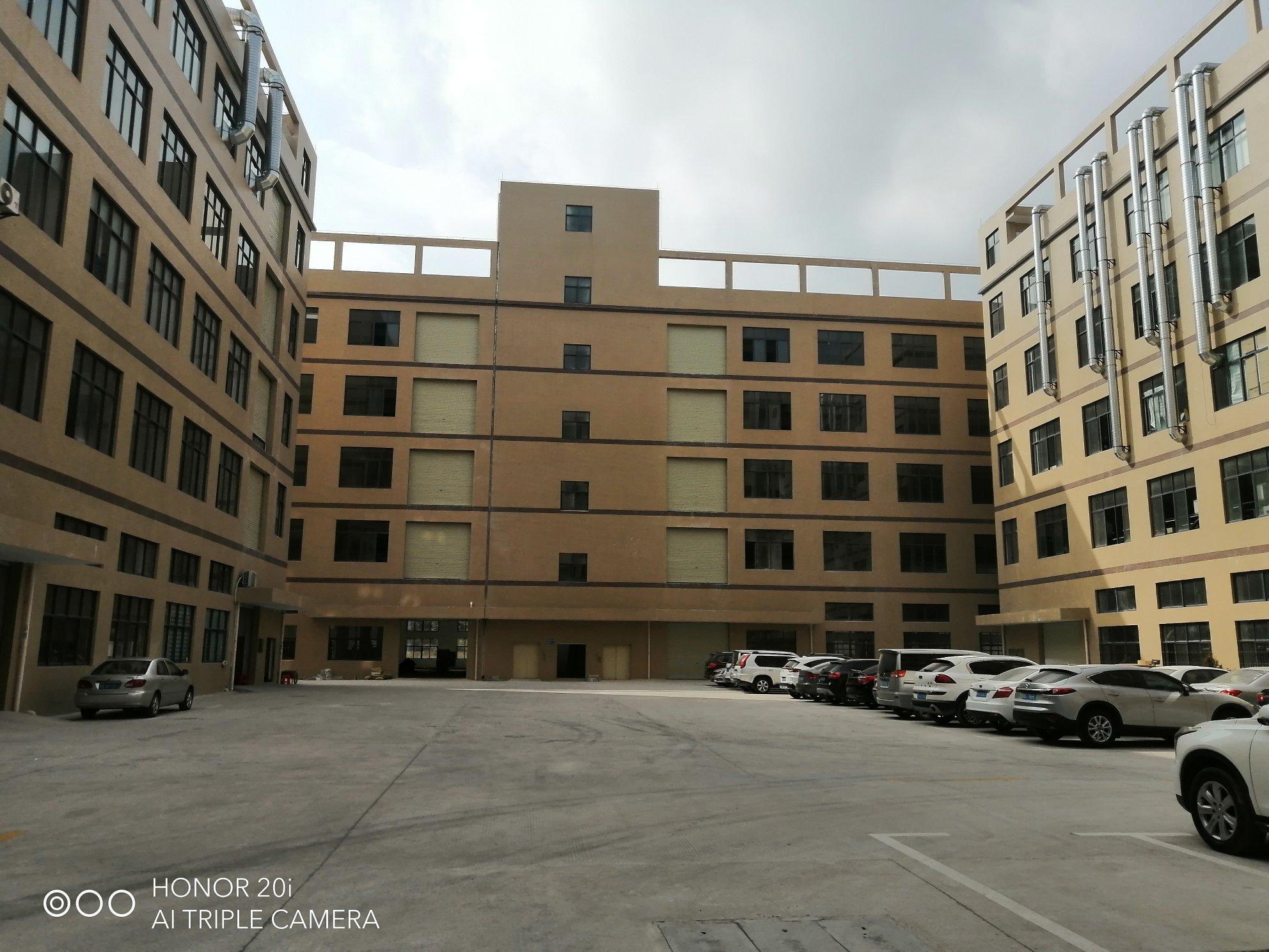 镇隆高速路口旁红本工业万博app官方下载单层4200平米出租