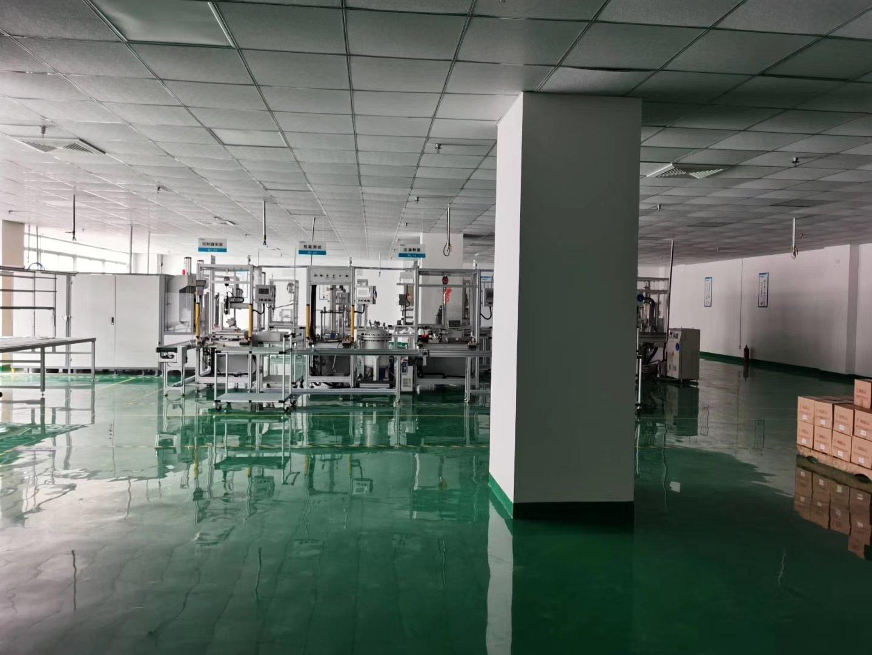 水田大型园区1500平精装厂房出租。