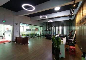深圳龙华大浪商业中心附近沈海高速路口旁精装修办公室大气前台图片3