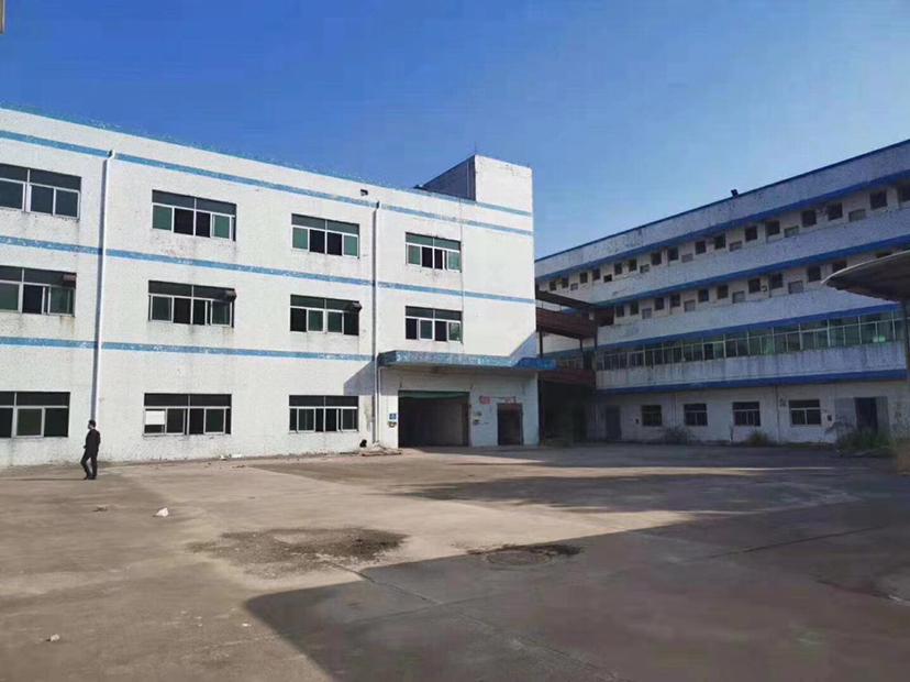 坪山区人民中路震雄工业园独栋厂房一楼30000平随便掉头