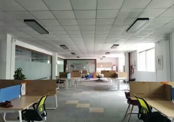 深圳龙华大浪商业中心附近沈海高速路口旁精装修办公室大气前台图片6