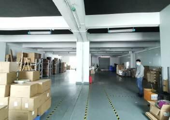 深圳龙华大浪商业中心附近沈海高速路口旁精装修办公室大气前台图片4