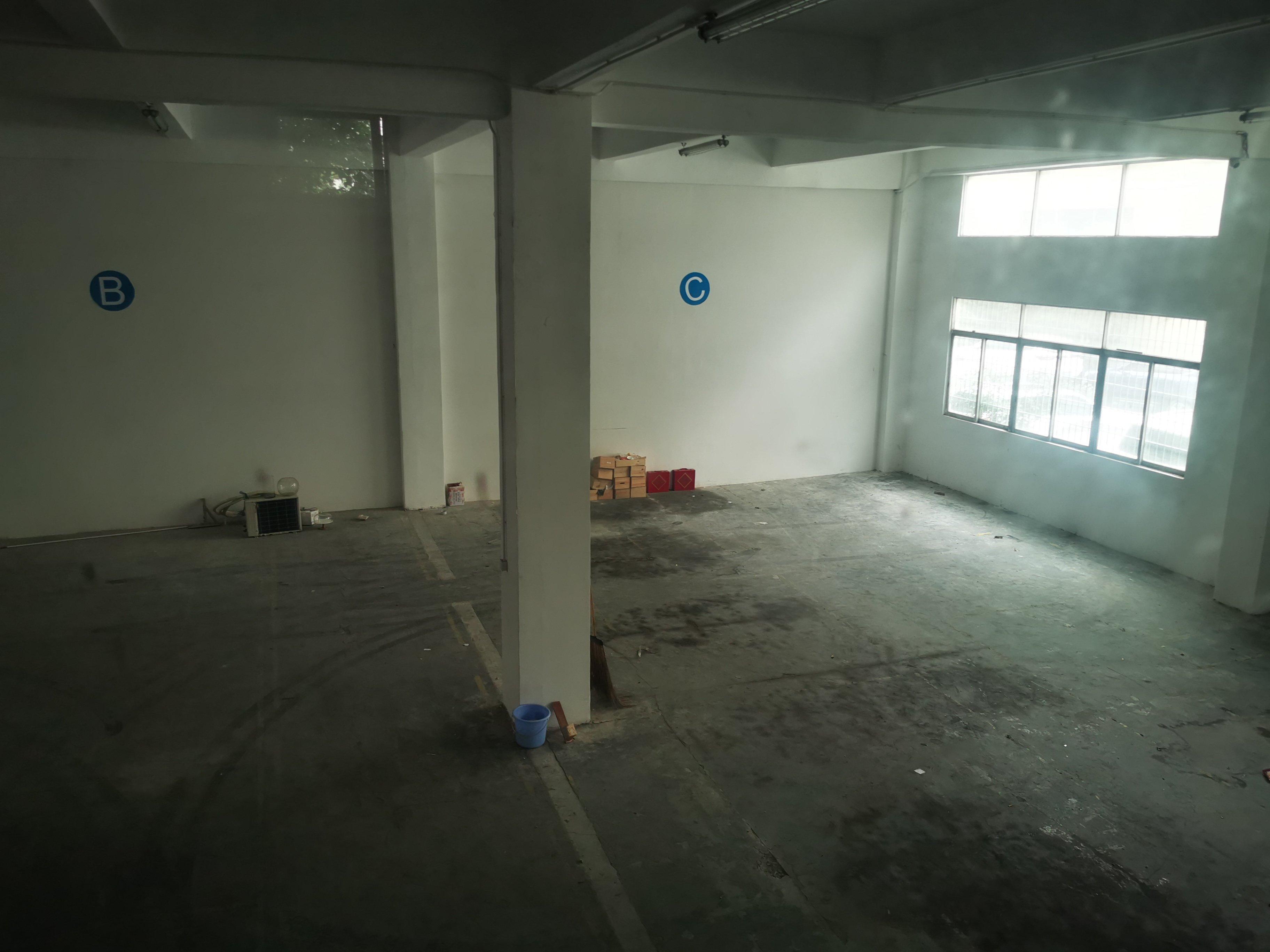 福永新出一楼带装修。带阁楼。