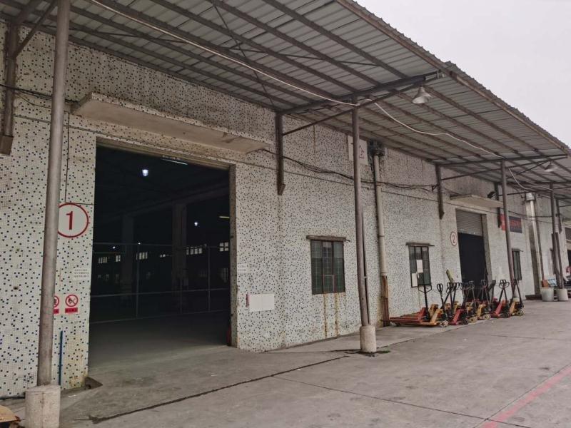 荔湾区茶滘镇原房东新空出单一层仓库,可进大车,大小可分租