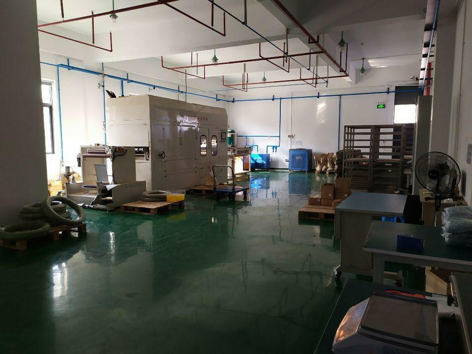 仲恺惠台工业区分租楼上500平带全新装修厂房出租