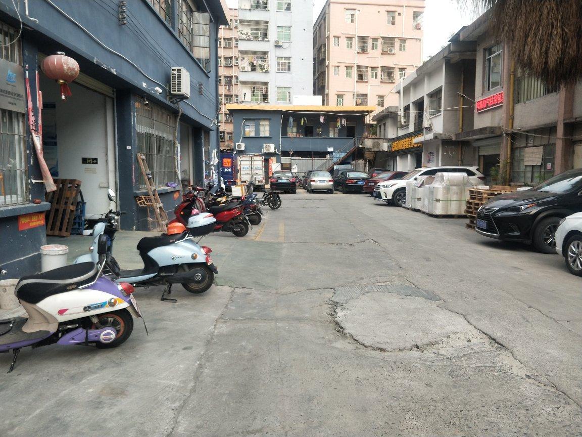 福永新田国道边一楼350平米带装修物流仓库
