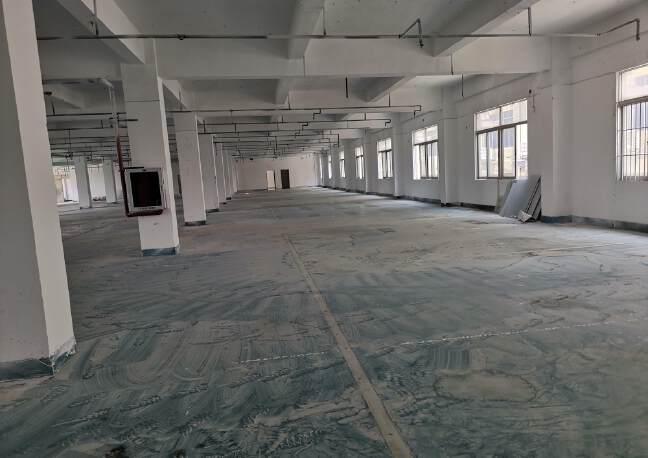 坪地坪西三楼2300平厂房出租