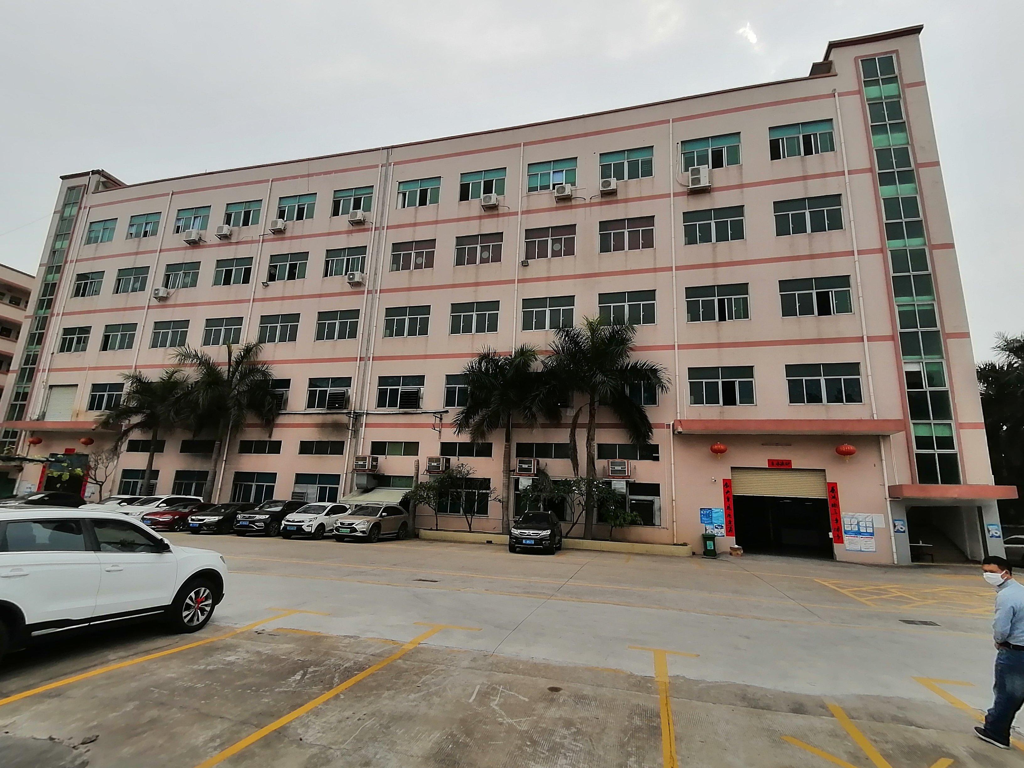 观澜福民新空出楼上1250平厂房有消防喷淋可生产可做仓库