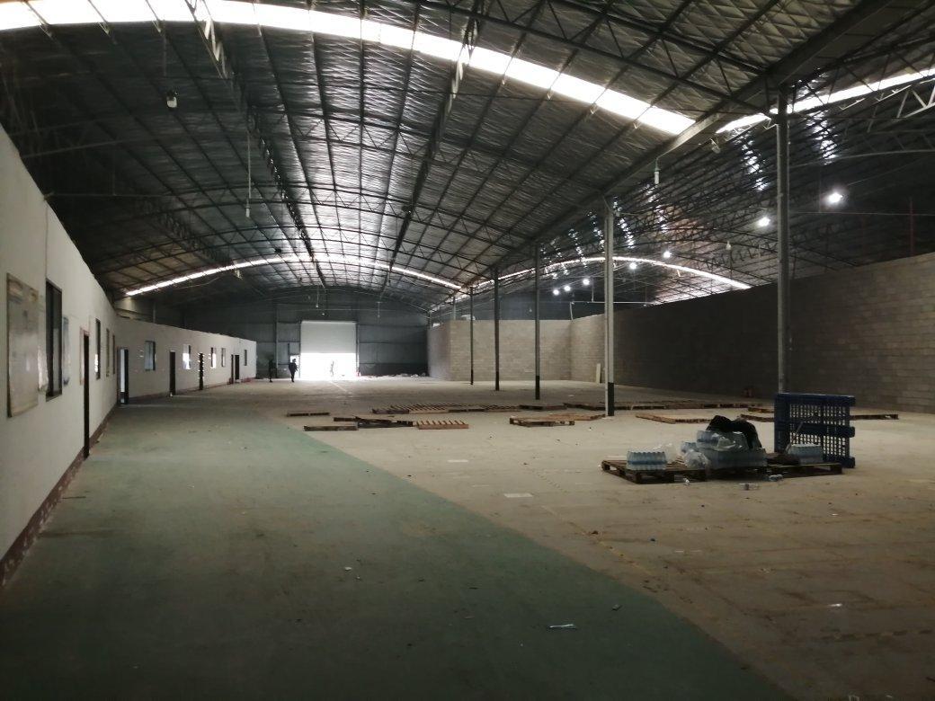 捞刀河中岭立交附近,1800平米厂房/仓库出租