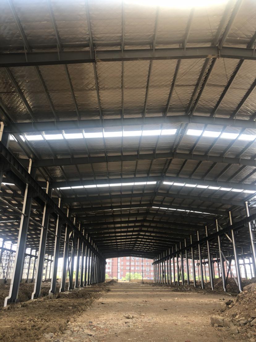 黄陂滠口12米层高钢结构万博app官方下载,可配高台适合做物流仓储。
