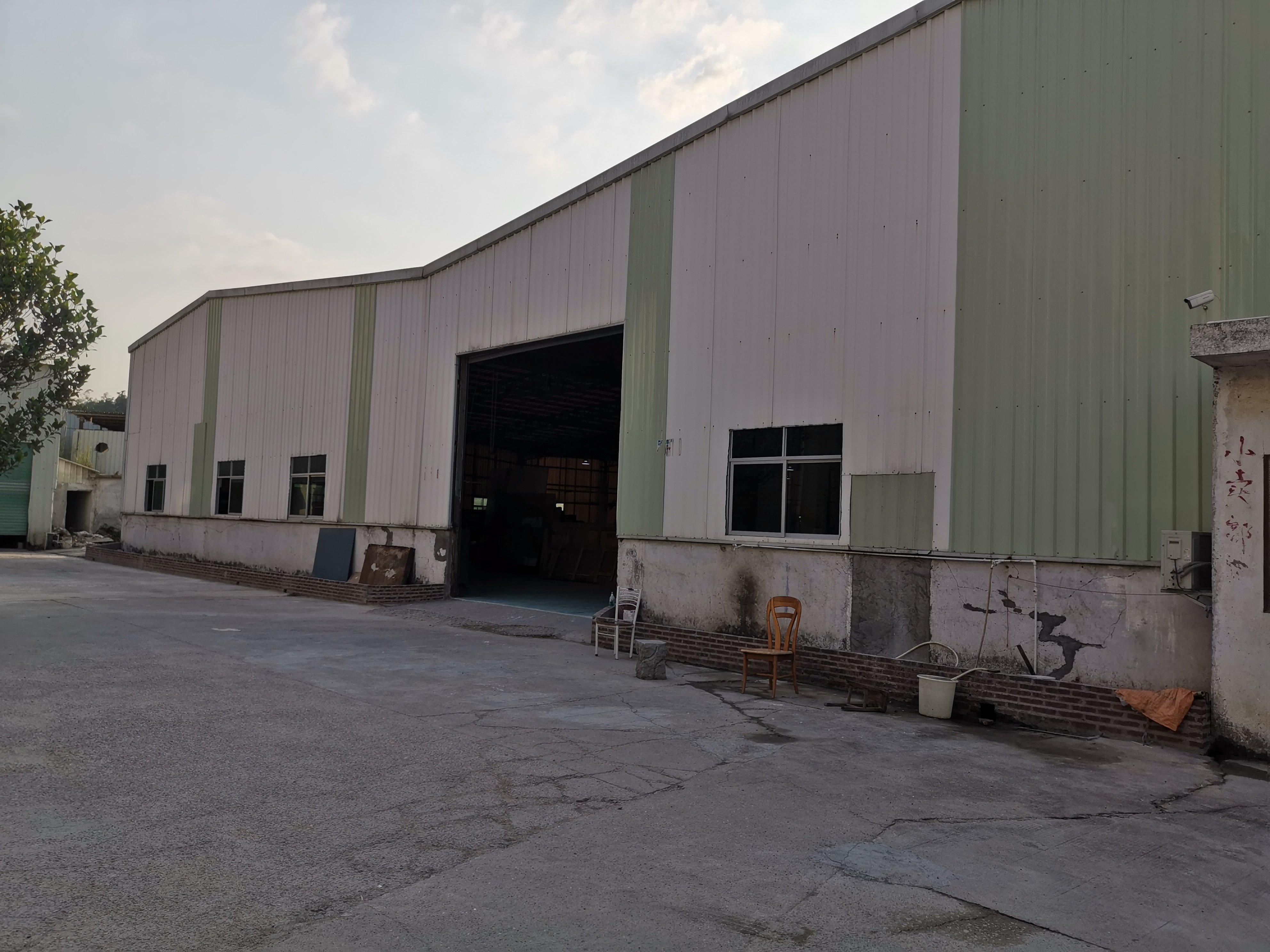 临深一公里单层厂房11800平米出售,投资自用皆宜!